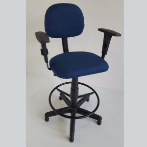 Cadeira secretaria caixa alta com braços