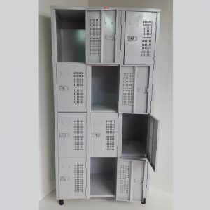 Armário vestiário com 12 portas pequenas
